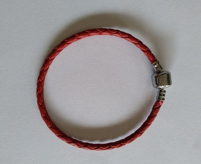 Pulseira de Couro Vermelha - 19 cm