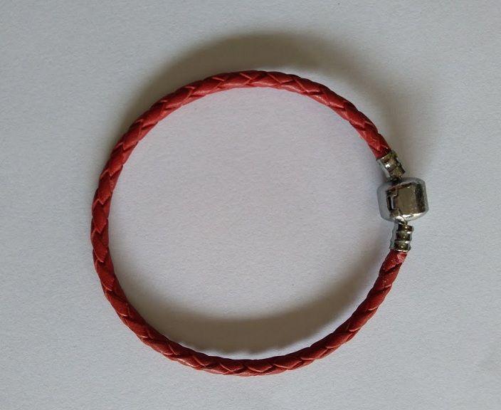 Pulseira de Couro Vermelha 19 cm