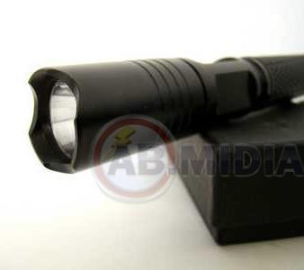 Lanterna Tatica Alumínio  20 Cm 10w Led 3 Modos Strobo