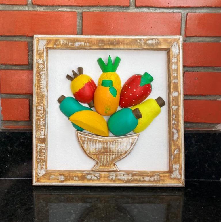 Quadro Rústico  3D   em Formato de Frutas Variadas
