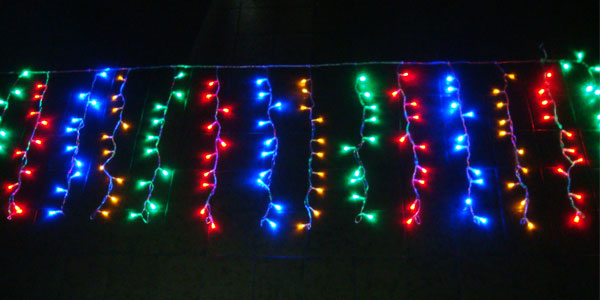 Cascata com 150 Leds Coloridos c/ Sequencial - Enfeite Natal 2,5 Mts. - Magazine Legal