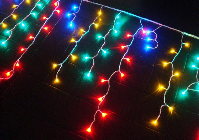 Cascata com 300 Leds Coloridos Super Brilho e Sequencial - 6 Mts - Magazine Legal
