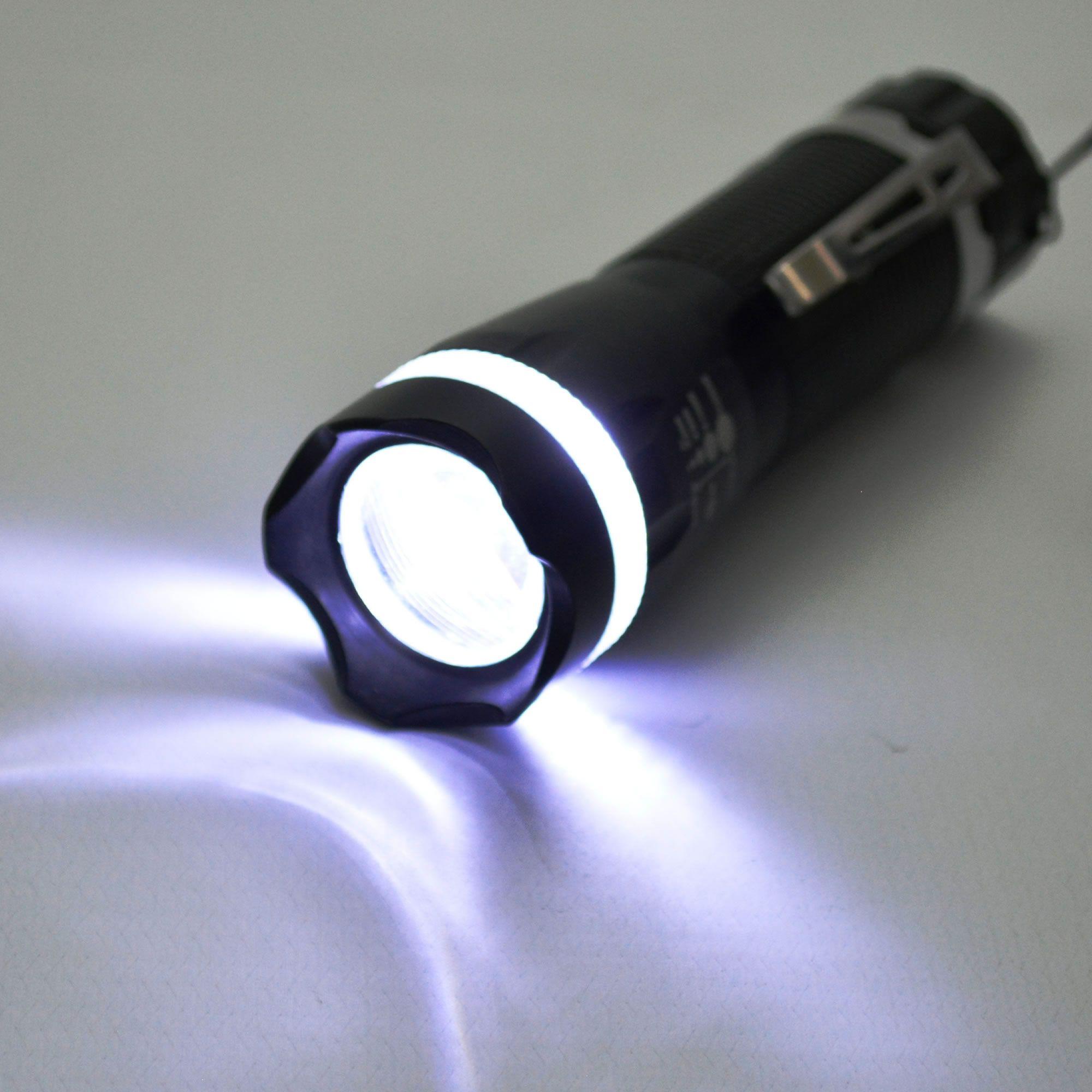 Lanterna Tática Policial LED Pilhas 10cm Prata CBRN11490