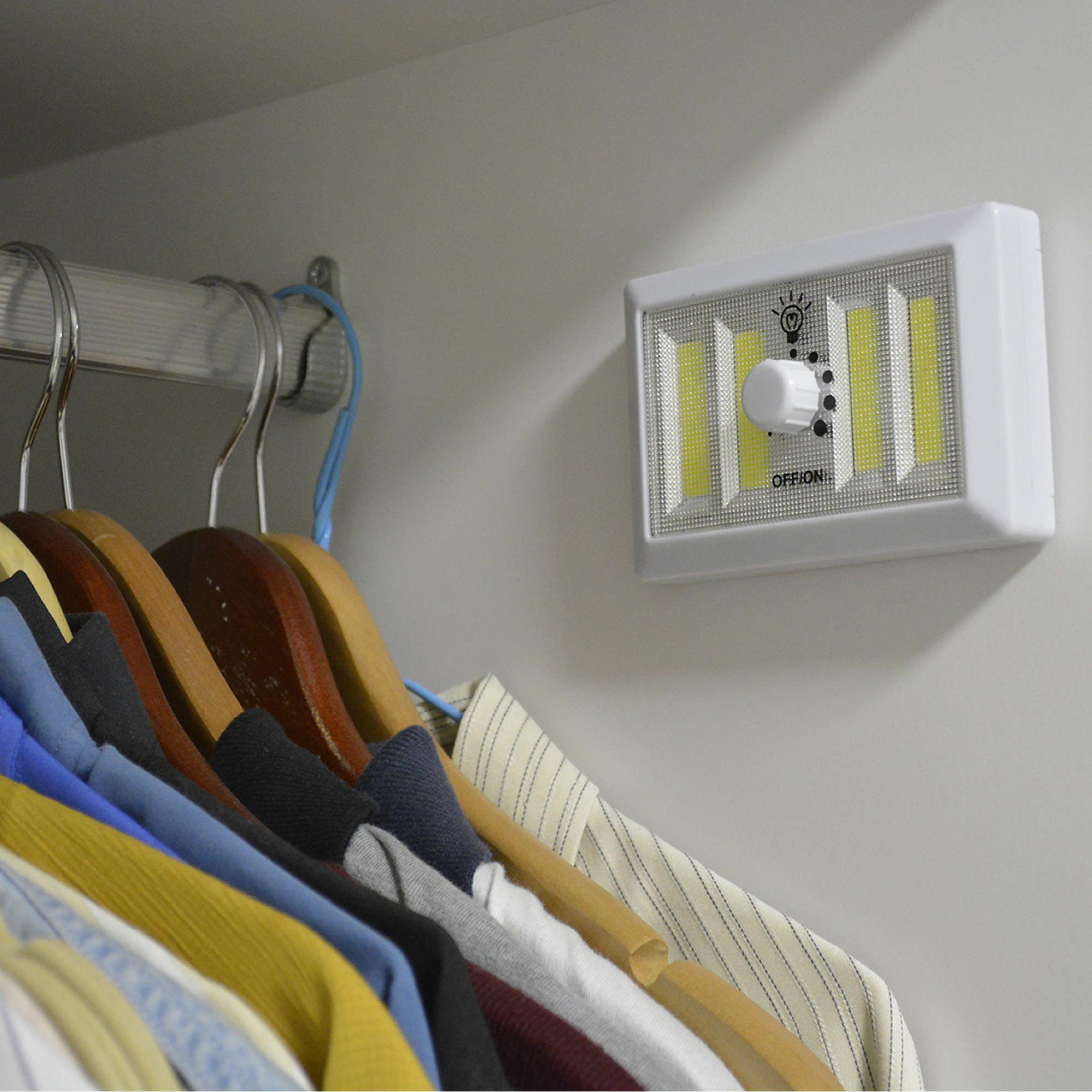 Mini Luminária LED Portátil Regulável com Imã CBRN06816