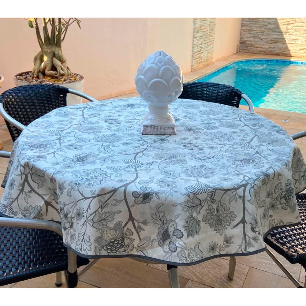 Toalha de Mesa Impermeável Redonda 04 Cadeiras - Cinza Floral