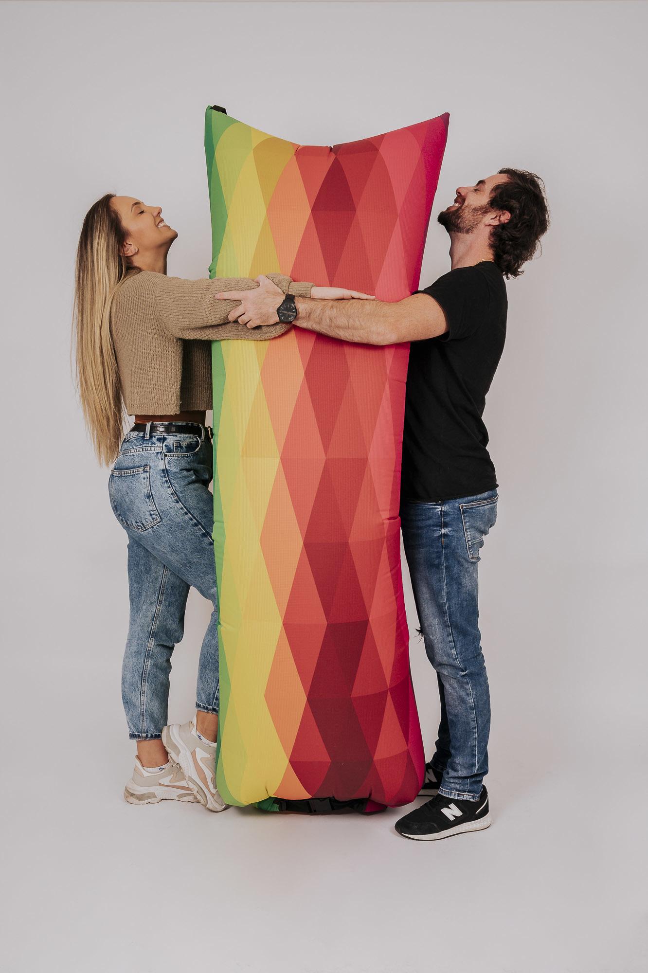 Hug One Sublimado Arco-Íris