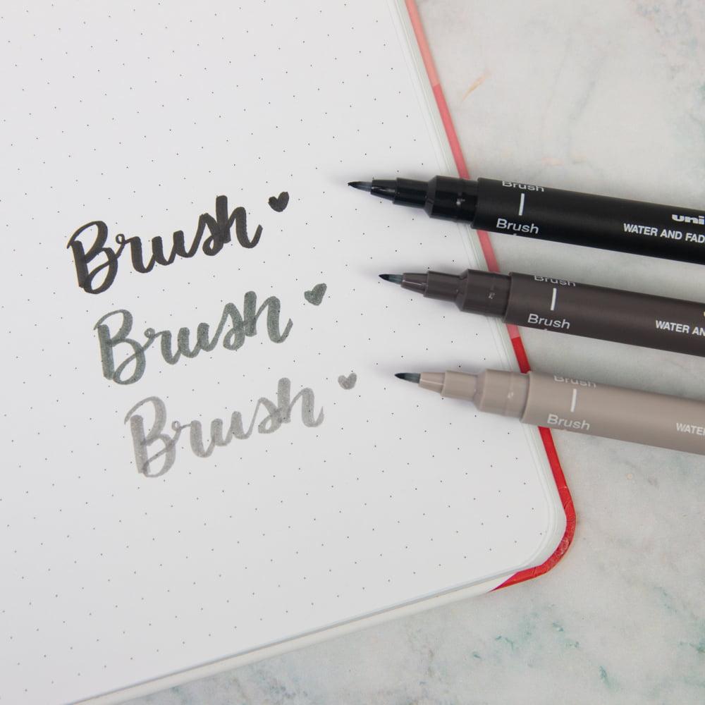 Caneta Nanquim Brush Preta Uni Pin