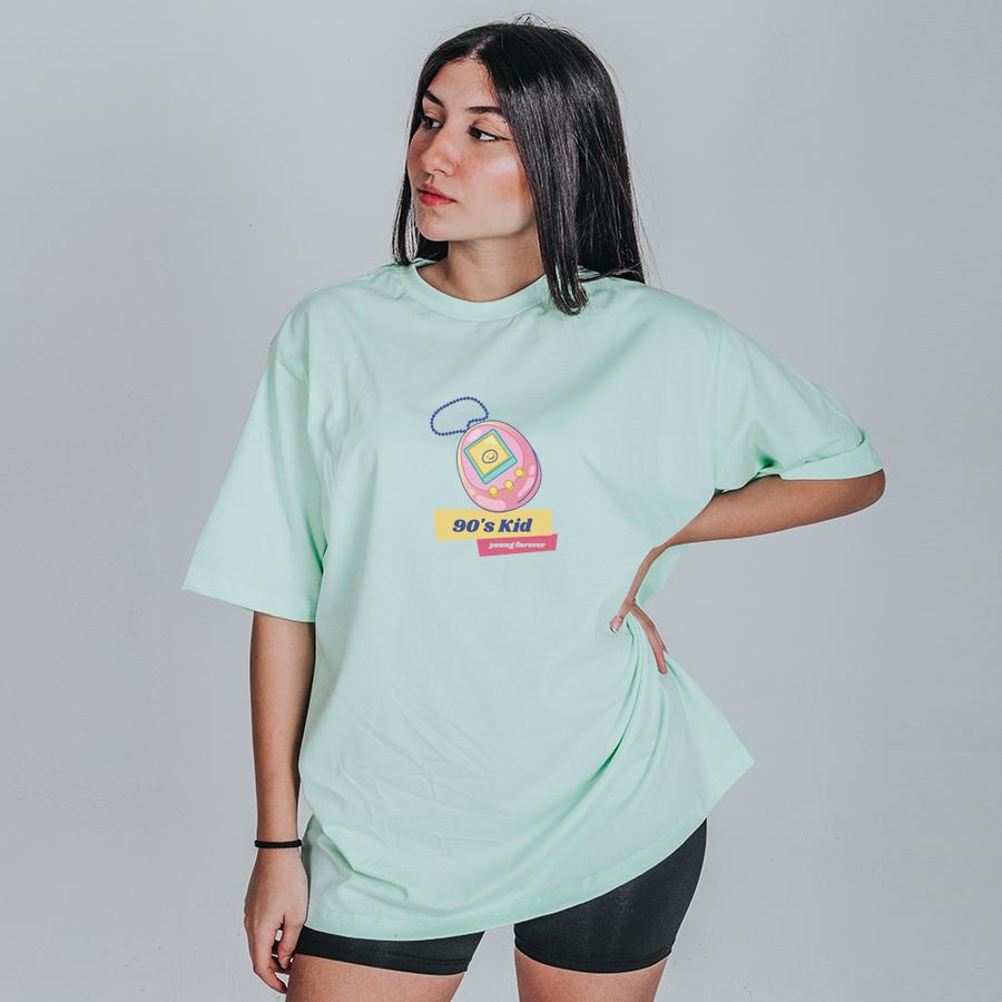 Camiseta Feminina Oversized Boutique Judith Criança dos Anos 90