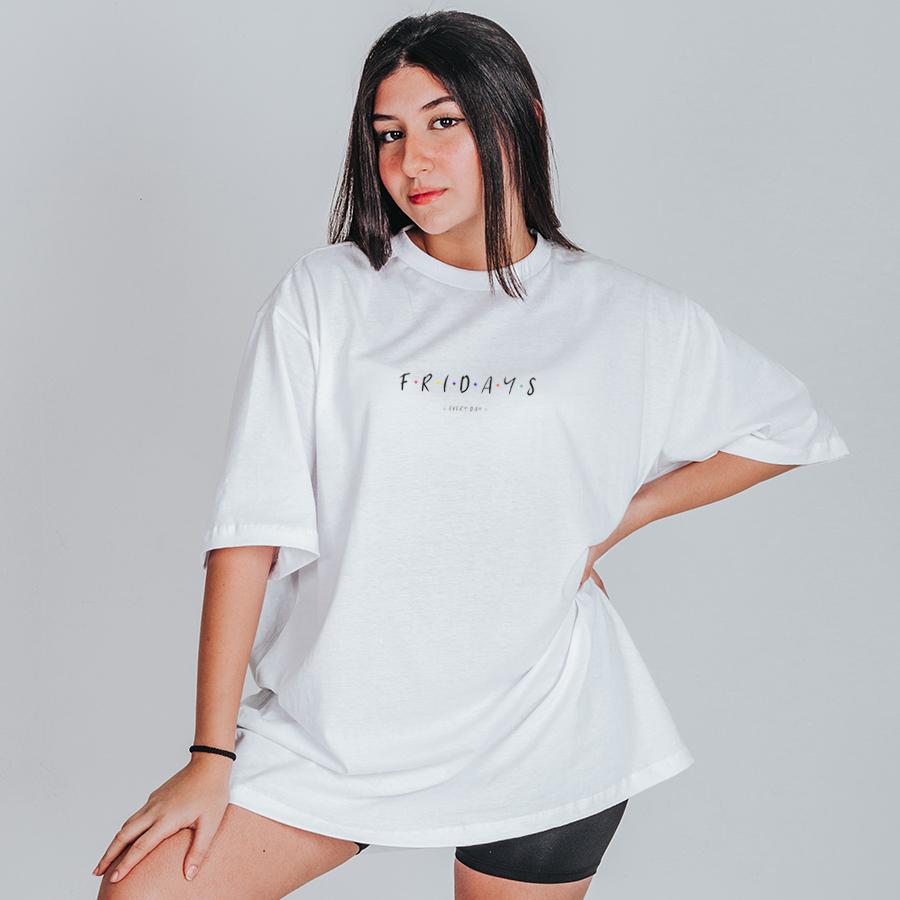 Camiseta Feminina Oversized Boutique Judith Fridays