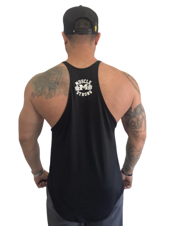 Regata Cavada Bodybuilder Style