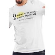 Camiseta Branca Abraço emprestado
