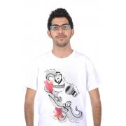 Camiseta Branca Fernando Pessoa Matrioshka