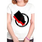 Camiseta Branca Leitora Antifascista