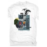 Camiseta Branca Maiakóvski de corpo e espírito