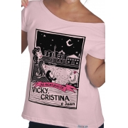Camiseta Rosa O Amor em Cordel: Vicky, Cristina e Juan
