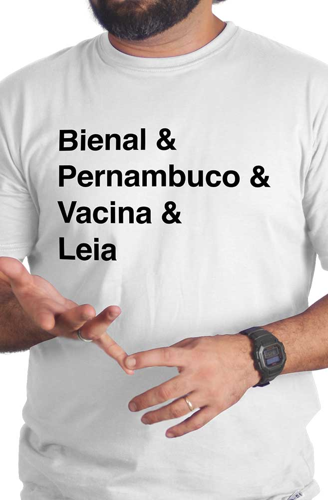 Camiseta Branca Helvética Bienal de Pernambuco