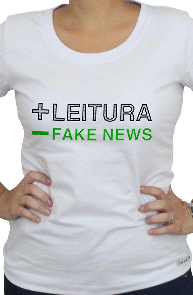 Camiseta Branca Mais Leitura, menos Fake News