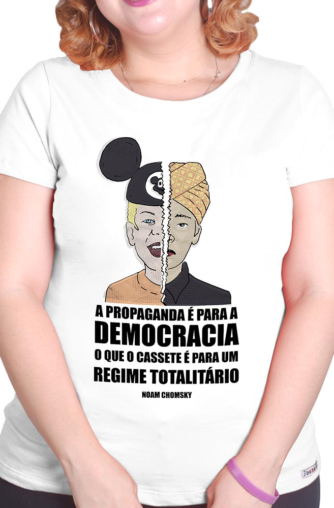 Camiseta Branca O Questionamento de Noam Chomsky