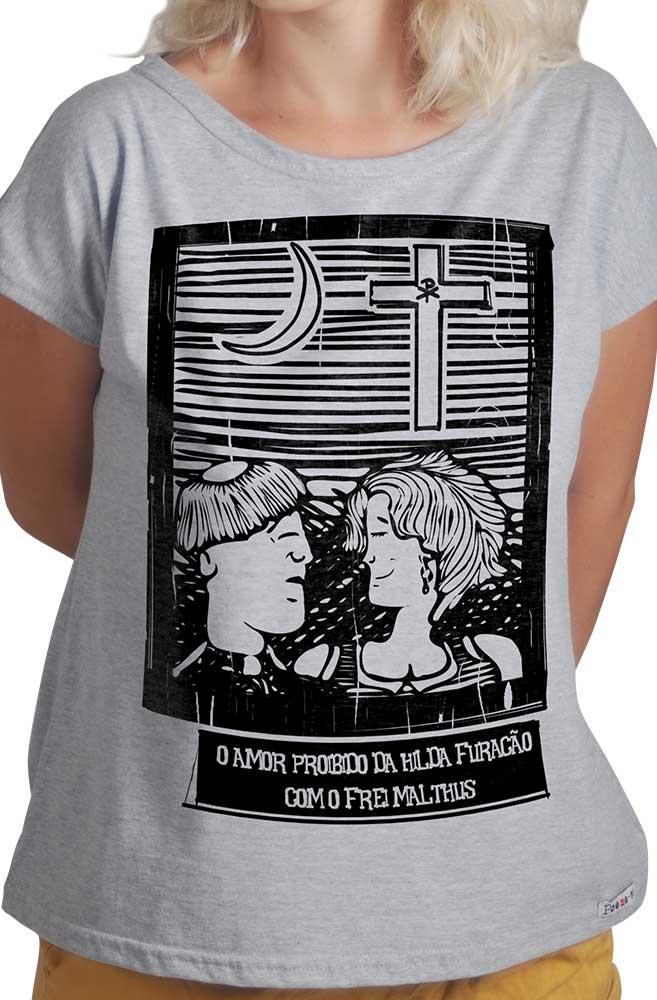 Camiseta Cinza O Amor em Cordel: Hilda Furacão e Frei Malthus