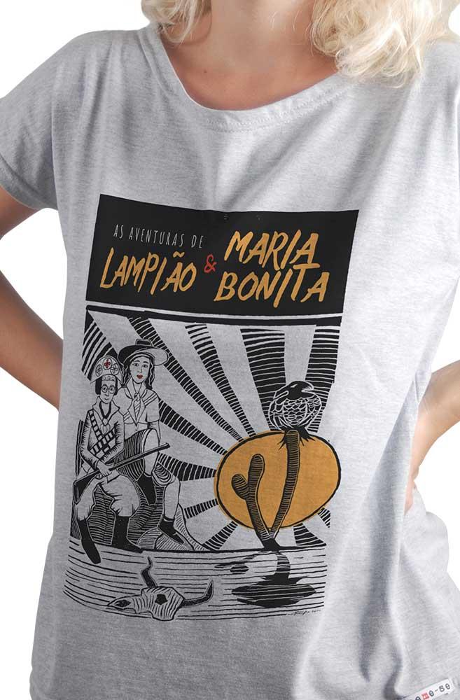 Camiseta Cinza O Amor em Cordel: Lampião e Maria Bonita