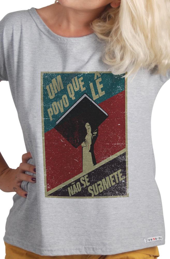 Camiseta Cinza Um Povo Que Lê