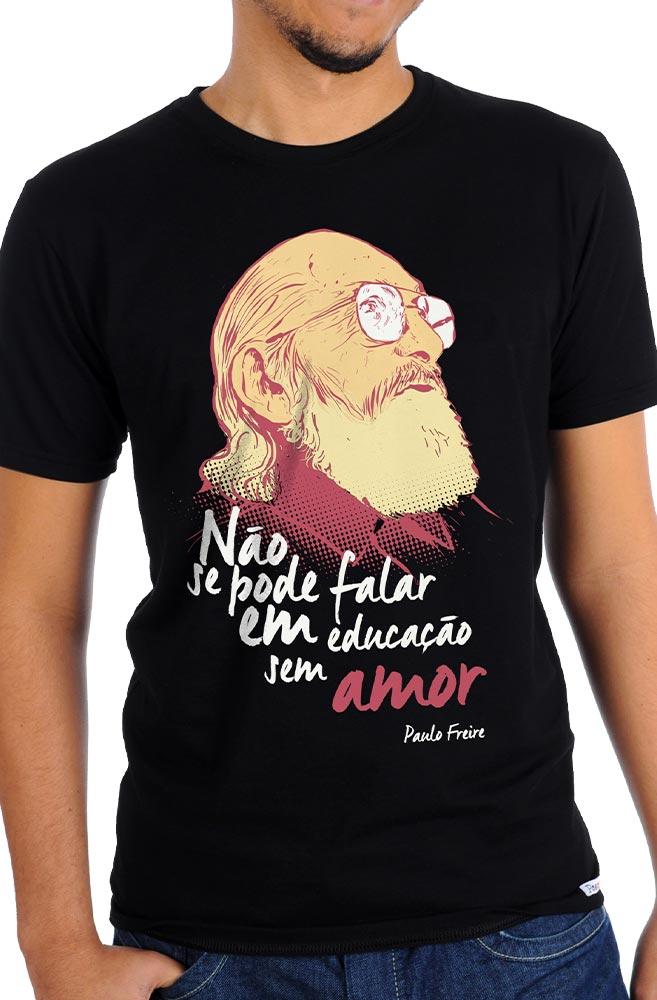 Camiseta Preta Paulo Freire