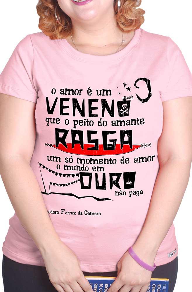 Camiseta Rosa O Amor em Cordel: Dona Flor, Vadinho e Teodoro