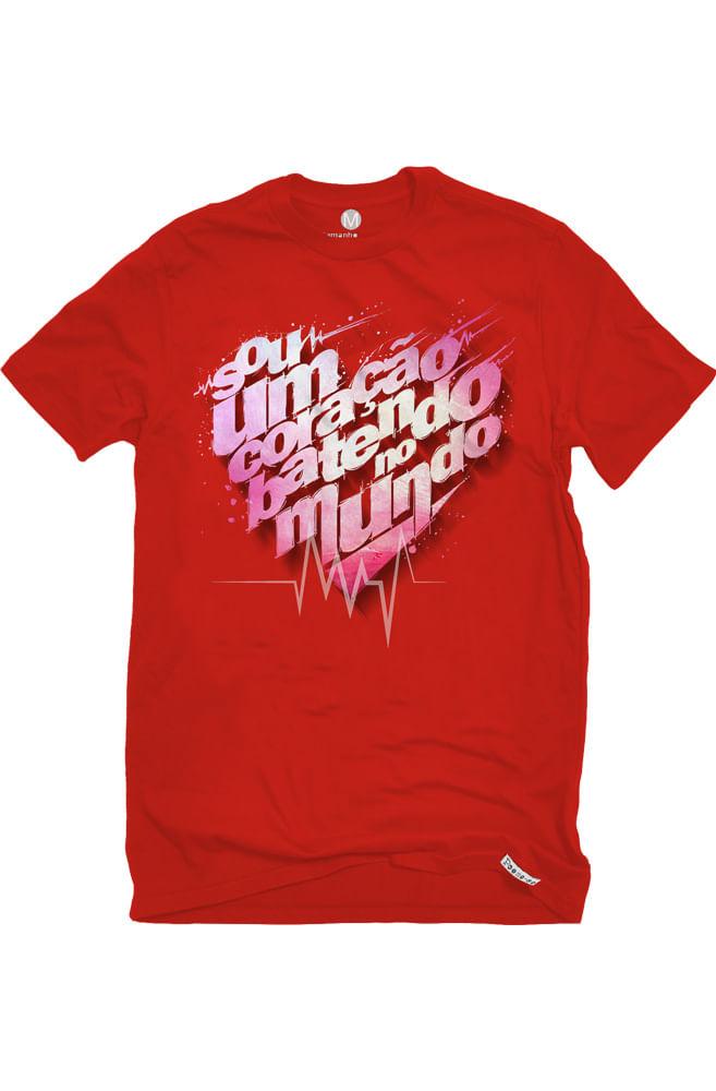 Camiseta Vermelha Coração batendo no mundo