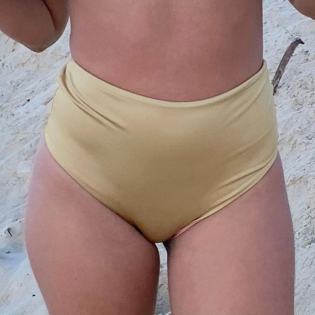 TANGA HOT PANTS STELLA - Gold e Sand Glow