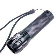 Lanterna Tática com Zoom e Strobo