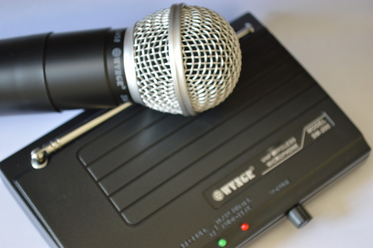 Microfone Sem Fio Completo VHF Wvngr Sm-200 - Frete Grátis  - Thata Esportes