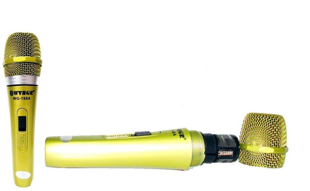 Microfone com Fio Dourado  - Thata Esportes