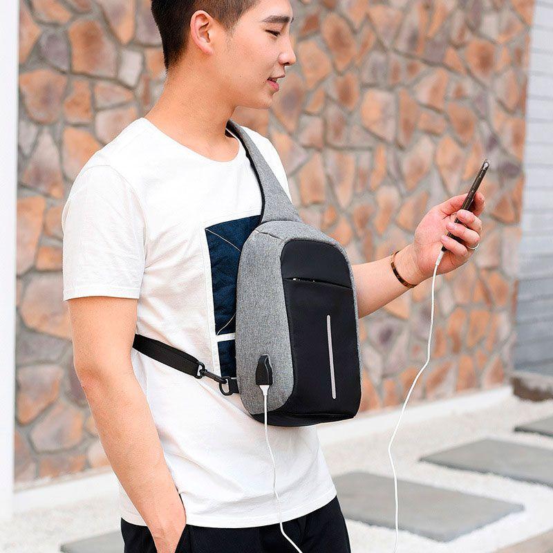Mini Mochila Anti Furto Bolsa Mala Transversal Cross Body USB Tablet Alça Única Cinza  - Mundo Thata