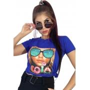 Camiseta estampa pedraria mulher com óculos