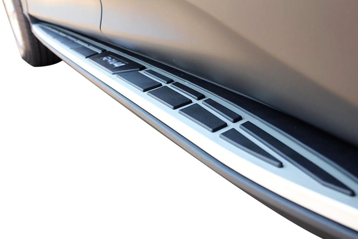 Estribo RAV4 2013 a 2016 semelhante ao original em alumínio