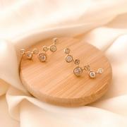 Brinco ear cuff pontos de zircônia banhado em ouro 18k
