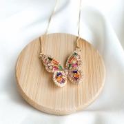Colar borboleta zircônia coloridas banho em ouro 18k