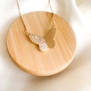 Colar dourado borboleta lisa e cravejada banho em ouro 18k