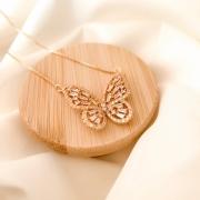 Colar dourado borboleta zircônia branca banho em ouro 18k