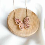 Colar dourado borboleta zircônia cor quartzo banho em ouro 18k