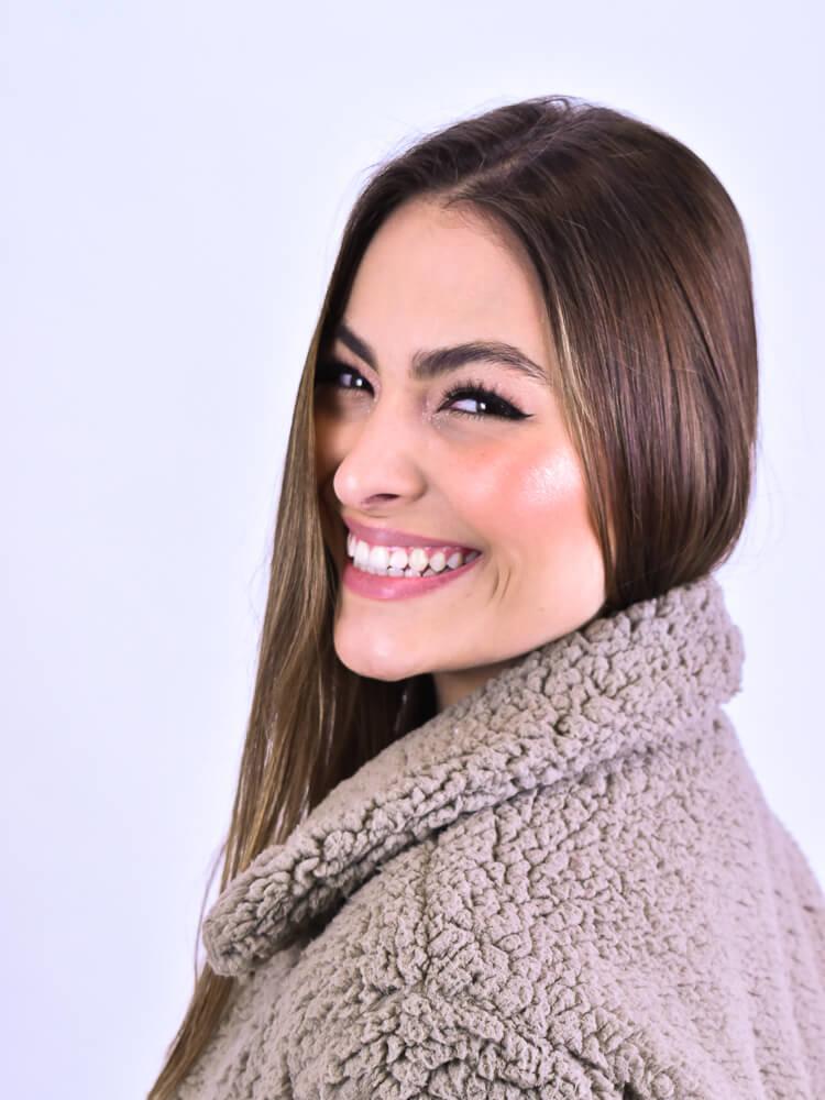 Casaco Cropped Oliva  - Carmelina.com.br