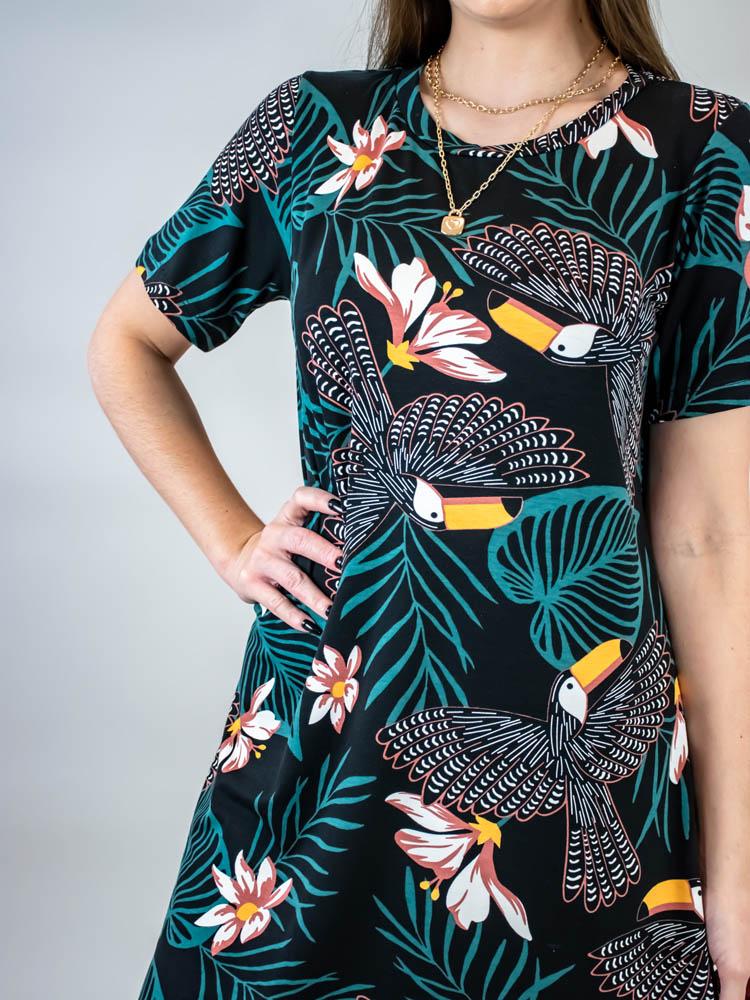 Tshirt Dress Vivi Tucanos Preto  - Carmelina.com.br