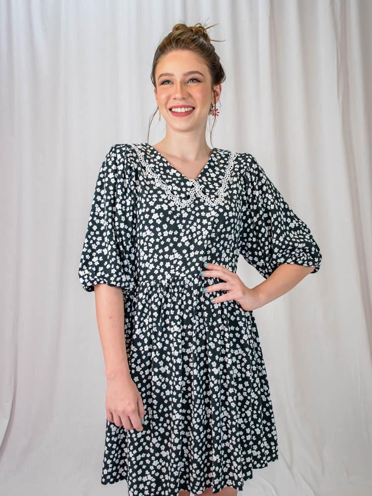 Vestido Liberty Gola Preto  - Carmelina.com.br