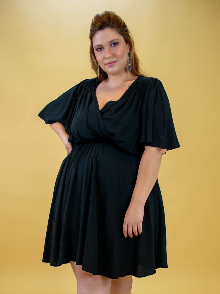 Vestido Preto Transpassado - Virgínia   - Carmelina.com.br