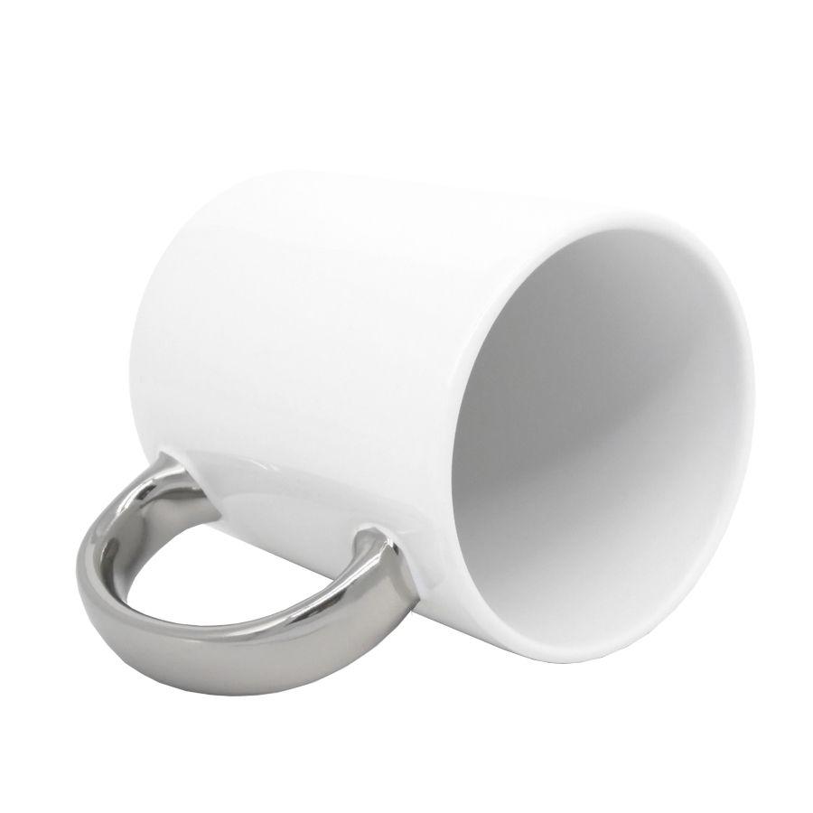 Caneca Branca Alça Cromada Prata em Cerâmica Classe A  - ALFANETI COMERCIO DE MIDIAS E SUBLIMAÇÃO LTDA-ME