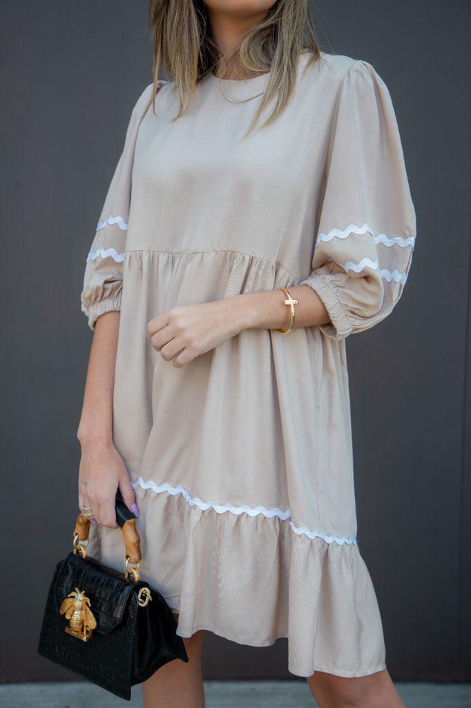 Vestido curto viscose aplicação sianinha barra e mangas