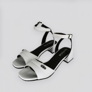 Sandália  ComfortFlex  Vime Verniz Baixa Branca