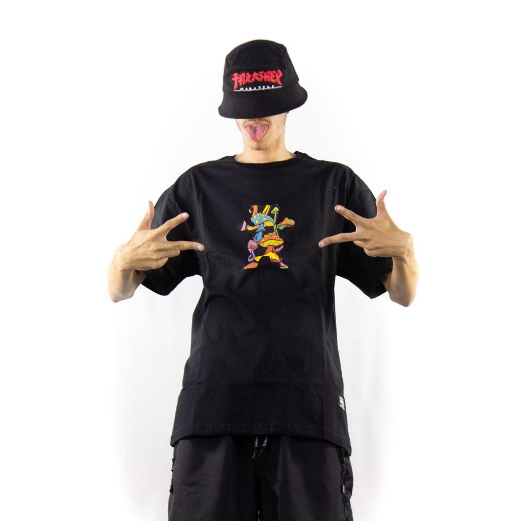 Camiseta Grizzly Fungi og Bear Black