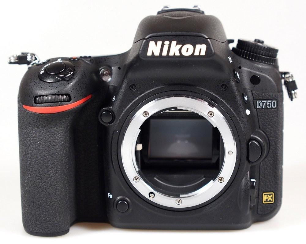 NIKON D750 CORPO - 24MP