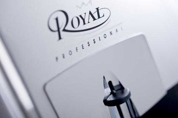 Cafeteira Automática Saeco Royal Profissional 220V com moedor, visor LCD, bomba de pressão de 15 bar
